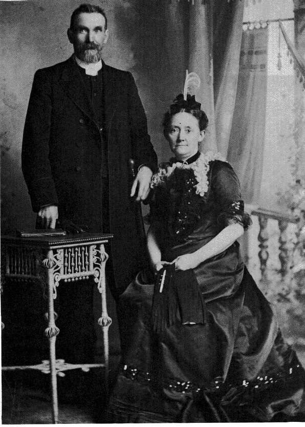 photograph of john and fanny pratt 1901. Black Bedroom Furniture Sets. Home Design Ideas